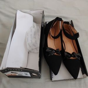 Metaphor black flats with ankle straps 8M